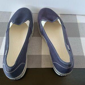 Crocs Navy Blue Slip On Shoes Size 11